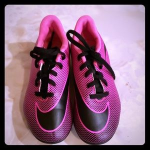Girls nike cleats